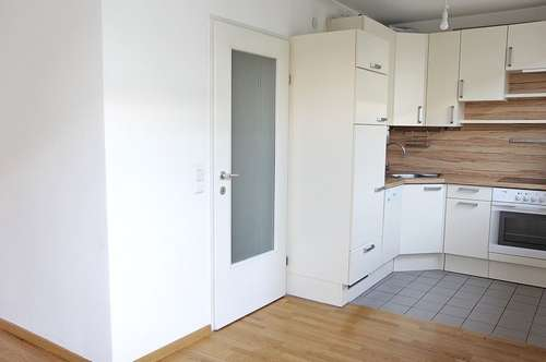 Attention! Maisonette mit Riesenterrasse nahe Shoppingcenter