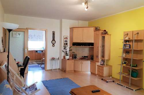 Helle Wohnung mit Garten und Tiefgarage