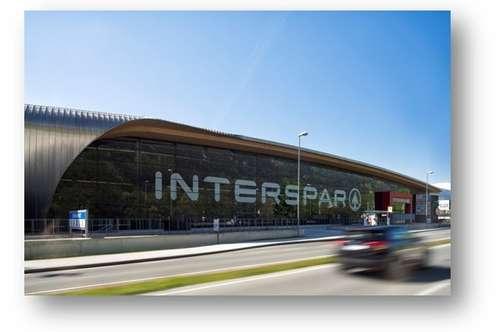 Großzügige Einzelhandelsfläche über zwei Ebene im Interspar Einkaufscenter