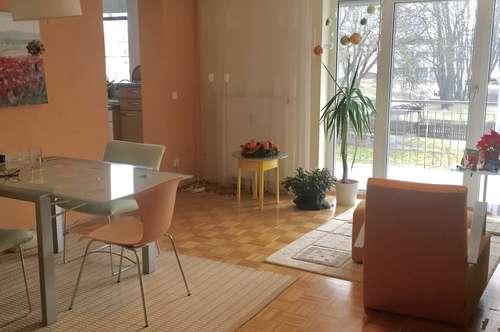 Familienwohnung in zentraler Lage mit Grünblick