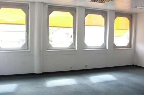 Spielberg, Büro, 2 Zimmer + Nebenräume