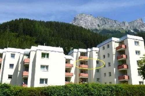 Preiswerte drei Zimmer-Wohnung mit einladender Loggia inklusive Wohlfühlgarantie! Ausgewählte Nachbarschaft!