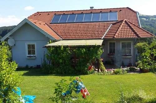 Behinderten gerechte Klein-Wohnung im voll unterkellerten Einfamilienhaus in Traumlage mit Baurechtsgrund vom Land NÖ.