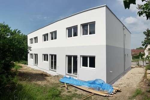 Rohbau + Fassade fertig - Schönes ECK-RH mit 167m² Garten - Erstbezug (belagsfertig) - Enzesfeld im Bezirk Baden - nur ca. 30min von Wien