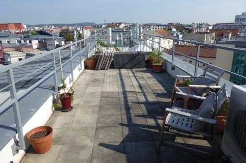 Wohnung im DG mit Terrassen und Garagenplatz/U3