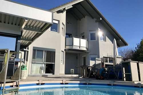Luxuriöses Einfamilienhaus in Traumlage mit Pool und Gartensauna