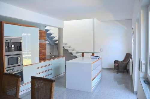 Penthouse Exklusiv ca. 108 m² , ca.36 m² Dachterrasse mit Jacuzzi, Carport, 82m² Garten, Lift