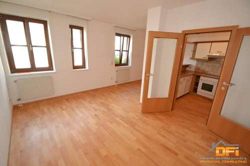 Freundliche 2-Zimmer Wohnung mit gutem Grundriss im Ortszentrum mit Garagenplatz