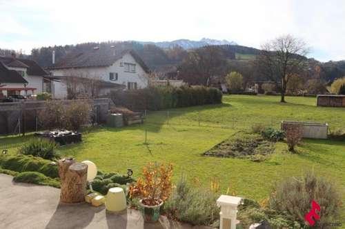 Einfamilienwohnhaus mit schönem Garten