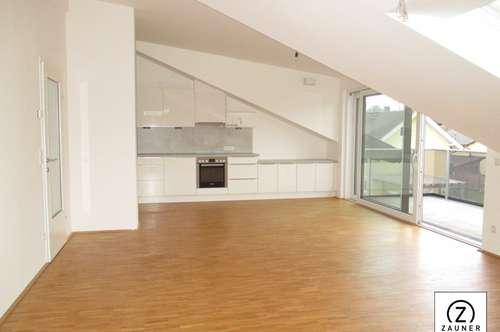 Erstbezug: Sehr schöne 3-Zi.-DG.-Wohnung in Wals/Viehhausen