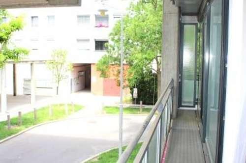 TOP- 2-3 Zimmer Wohnung mit Rundum-Loggia-Terrasse
