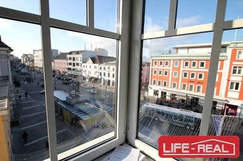 WG geeignete, lichtdurchflutete Wohnung mit vier Zimmer, Jetzt mit VIDEOBESICHTIGUNG auf www. LIFE - REAL.at