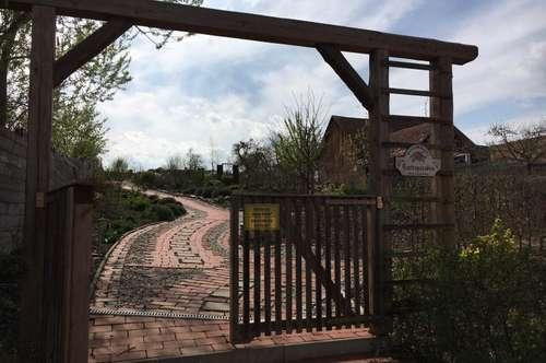 Neu renoviertes Anwesen mit 4000m2 angelegtem Blumen- und Teichgarten