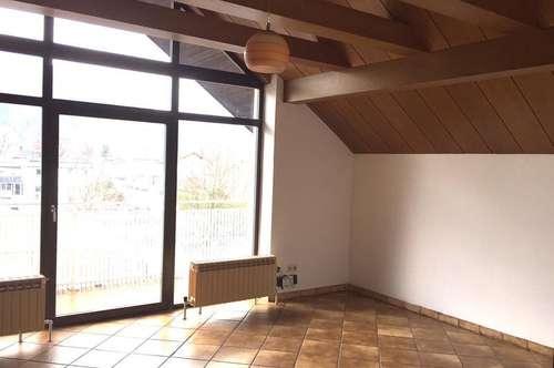 Einladende, helle 3 Zi-Wohnung mit Balkon in Schallmoos.