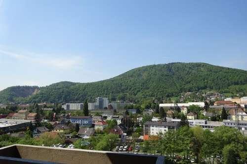 Sehr gepflegte 2-Zimmer-Wohnung mit Balkon und toller Aussicht in ruhiger Lage