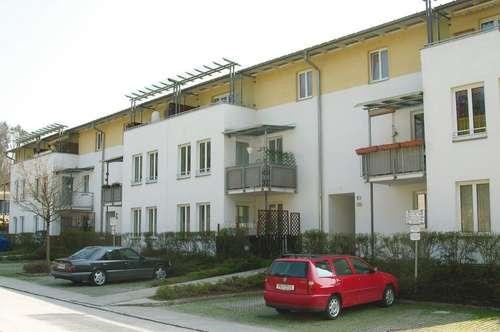 Weg vom Stress - raus auf´s Land! Herrliche 3-Raum-Wohnung mit Loggia in ruhiger Grünlage mit Parkplatz - perfekt für Familien! Provisionsfrei!