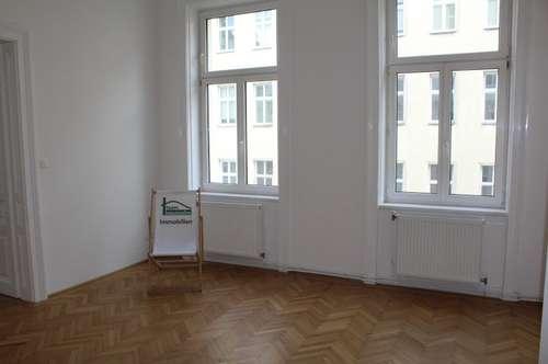 U6 Alser Straße! BALKON! Top sanierter Altbau mit Lift! 4 Zimmer! Möblierte Küche!