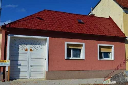Einfamilienhaus/Streckhof mit großem Grund im Zentrum