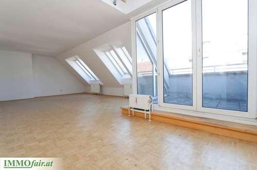 Gloriette-Nähe! Dachgeschoss-Wohnung auf 2 Ebenen - 5 Zimmer und Galerie - Top 16 -151m² + 6m² - 449.000,-