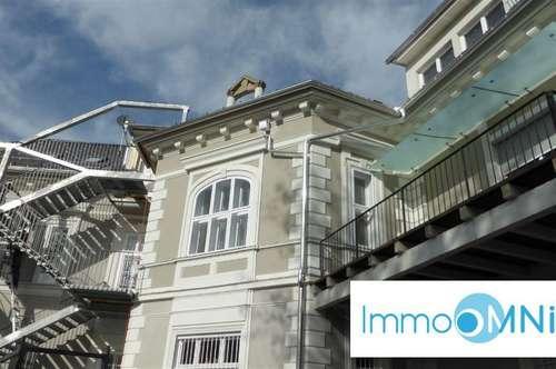 Wunderschöne Altbauwohnung in top renovierter Stadtvilla