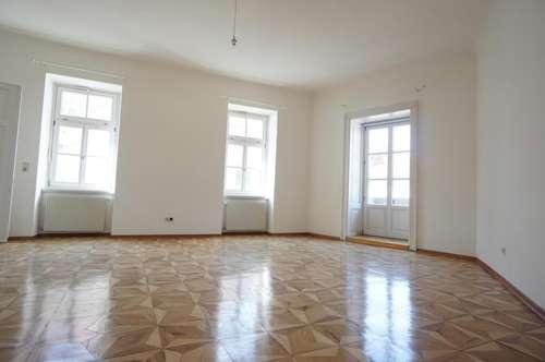 ALTBAUTRAUM - 2 Zimmer mit Balkon in Uni-Nähe