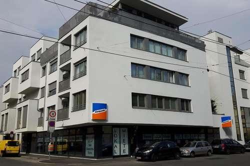 Lokal in der Langobardenstraße 26, riesige Fensterfronten und eigener Müllraum!