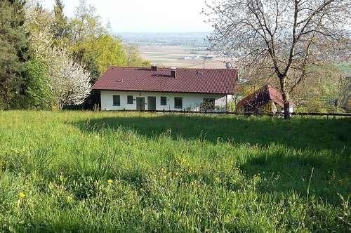 Ruhiges, sonniges Grundstück in Bad Mühllacken mit Weitblick