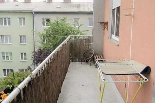 Ruhige zentrale Wohnung mit großem Balkon
