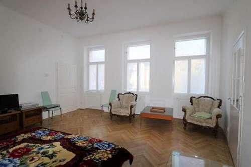 Hochwertig ausgestattete 1-Zimmer-Altbauwohnung mit Autoabstellplatz und Gemeinschaftsgarten im Helenental