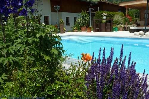 Exklusive Villa mit großem Pool in sonniger Lage