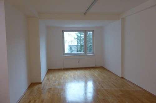 PROVISIONSFREI! Top renovierte 64 m² Wohnung im Zentrum von Wels!