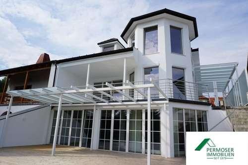 Uferparzelle - großes, renoviertes Seehaus mit extra Gästewohnung und Sauna auf Pachtgrund zu verkaufen
