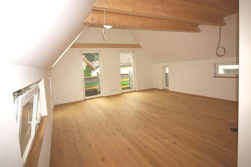 11909 Zum Verkauf steht eine 85m² sonnendurfluttetes Loft in Kirchberg
