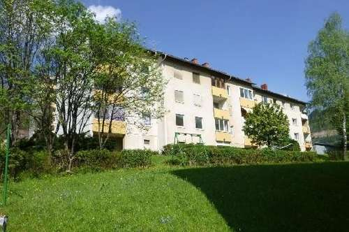 Zentral gelegenen, günstige Wohnung mit Loggia und Parkplatz - Mietschnäppchen! Provisionsfrei!
