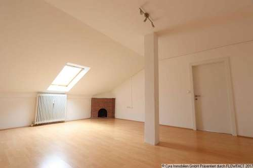 Schöne Mansardenwohnung mit 3-Zimmer in ruhiger Lage von Leonding
