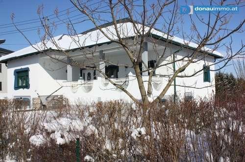 Neuwertiges Einfamilienhaus – Wohnen und Arbeiten unter einem Dach