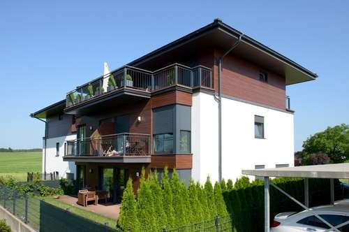 Wunderschön gelegene, ruhige 4-Zimmer-Garten-Wohnung mit Top-Ausstattung zu vermieten