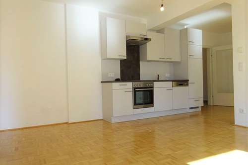 Wunderschöne und sehr helle 3-Zimmer-Wohnung mit Loggia in zentraler Lage - Bezirk Lend