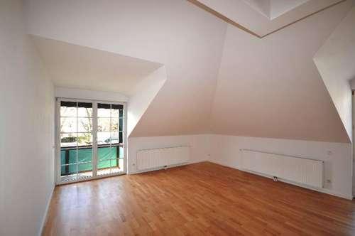 ANIF | Dachgeschosswohnung mit Weitblick