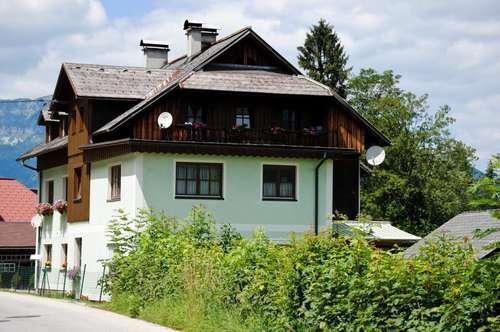 Dachgeschoßwohnung mit kleinem Eigengarten an der Traun!
