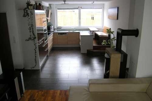 Zentrale 3-4 Zimmerwohnung mit schönem Garten
