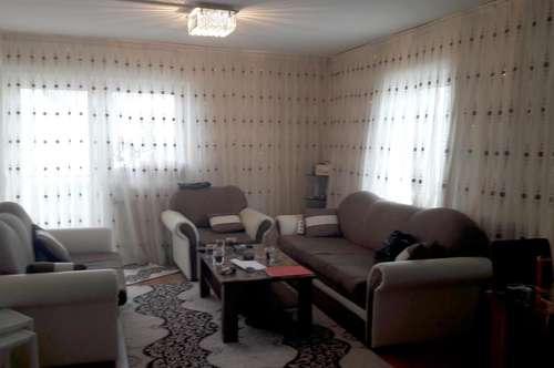 Wohnung mit Balkon und Loggia