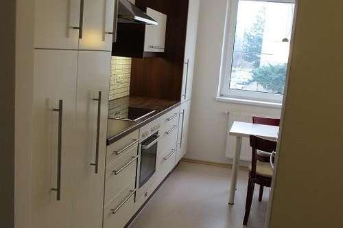 Vermiete Wohnung 90m² direkte UNI Nähe inkl. Parkplatz