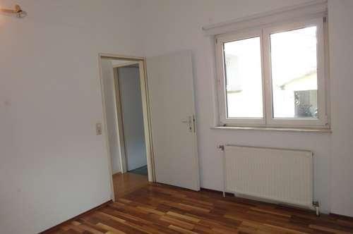 """""""2 Zimmer Wohnung, sehr hell!"""""""