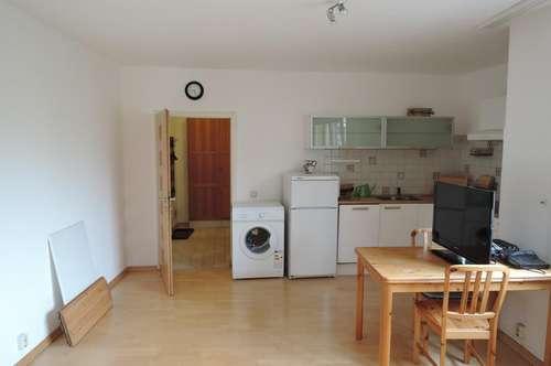 Teilmöblierte 2-Zimmer-Wohnung