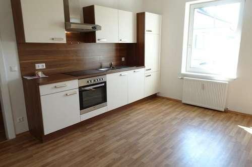 65m² - 2 Zimmer. Ideal für Paare und Singles.