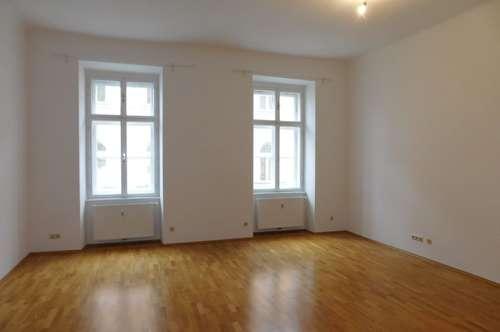 Tummelplatz: 4-Zimmer-Wohnung mit Balkon