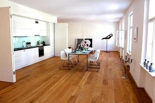 Wohnung exclusiv Designerwohnung Loft Künstlerwohnung 150 m² mit Tiefgaragenplatz Salzburg Stadt Zentrum Altstadt, Möbilierung möglich