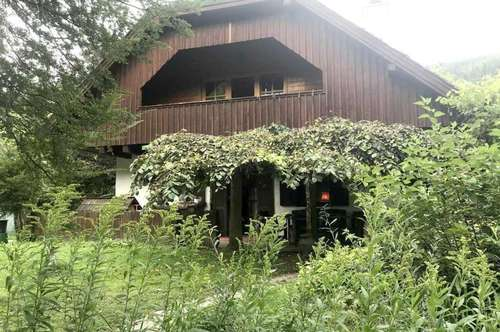 Feldkirchen Nähe Kärntner Landhaus mit uneinsehbaren Parkgrund