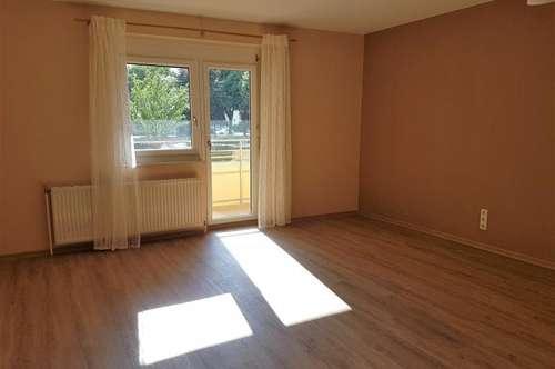 Helle, geräumige 4-Zimmer mit Loggia - geringe Heizkosten